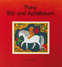 Pony Bär und Apfelbaum