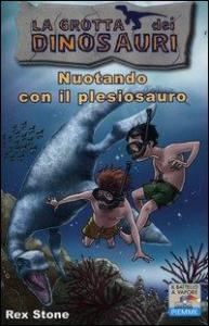 Nuotando con il plesiosauro