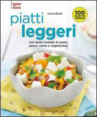 Piatti leggeri con tante insalate di pasta, pesce, carne e vegetariane