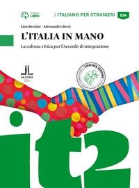 L'Italia in mano